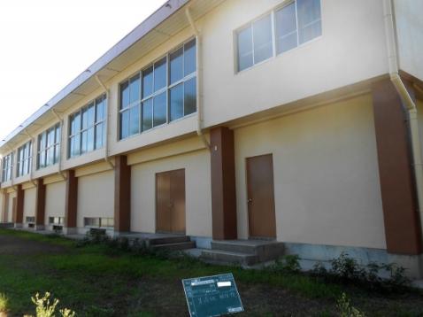 公共事業 小学校屋内運動場外壁塗装工事