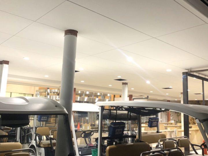 秦野市 ゴルフ場エントランス 天井塗装工事