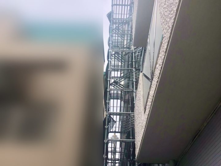 大和市 ビル 部分足場仮設工事